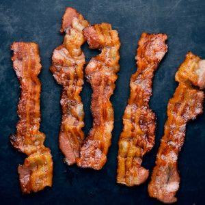 Bacon fumé maison de porc